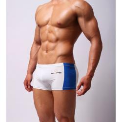 BRAVE PERSON bílé boxerky Stripe s modrým pruhem po straně
